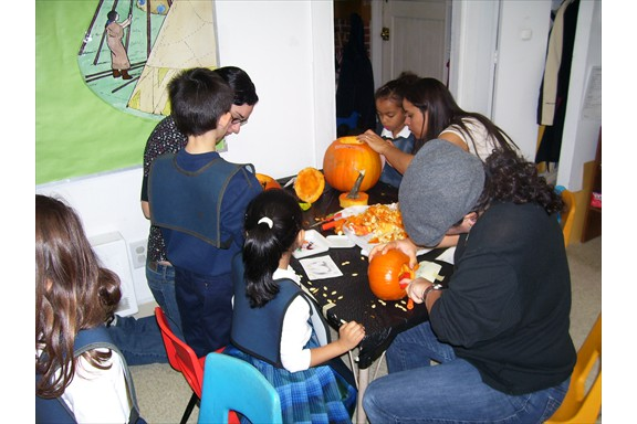 Halloween - carving pumpkins